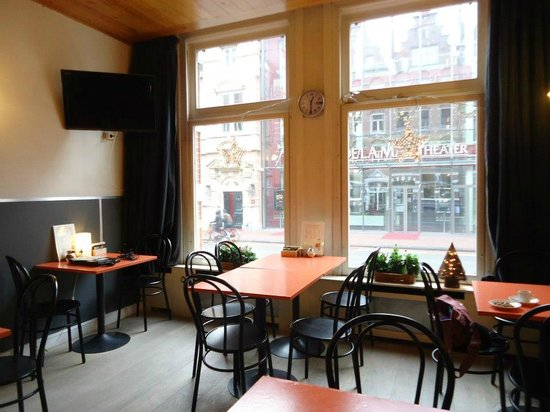 Hotel La Boheme: You can have a nice Nespresso, a hot chocolate or a tea at any time