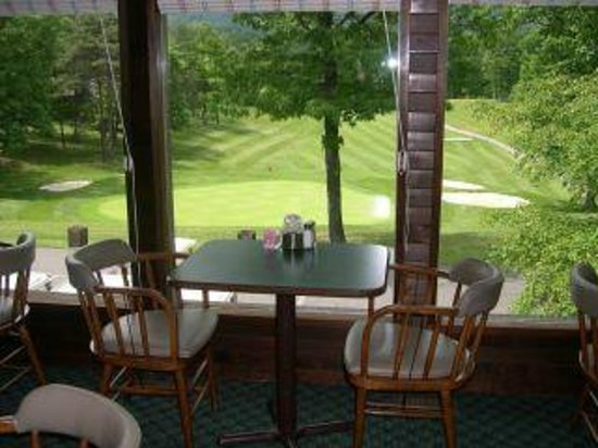 Hedgesville, WV: Enjoy a view of the 18th from the Clubhouse Grille & Pub