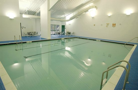Hedgesville, WV: Sports Center Indoor Pool