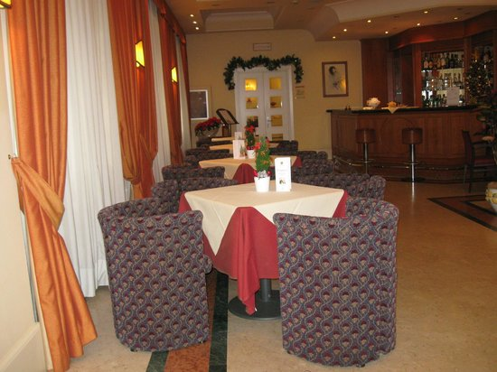 BEST WESTERN Grand Hotel Adriatico: bar interno - : ))