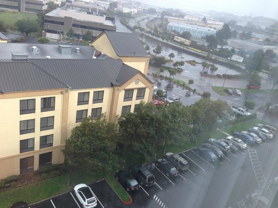Embassy Suites San Francisco Airport: Wait...is that another Hilton owned hotel right next door with FREE parking? Yep.