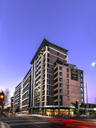 ‪Meriton Serviced Apartments Parramatta‬