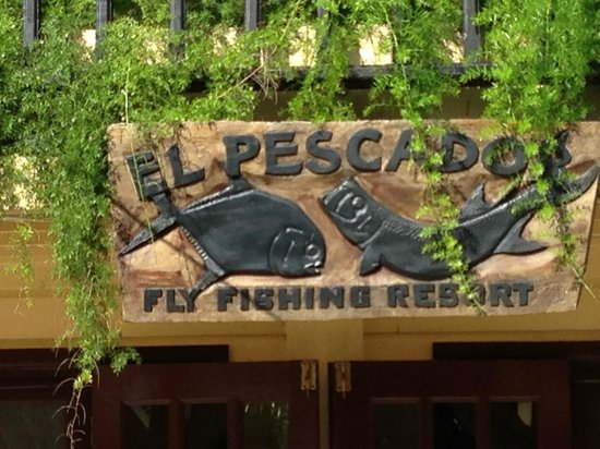 El Pescador Resort: Sign on Lodge