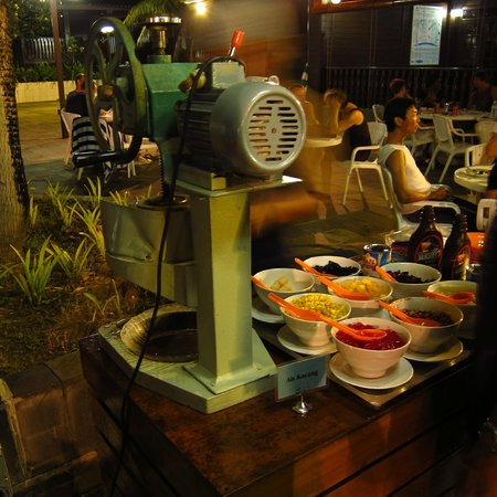 Avillion Layang Layang Island Resort: Ice kacang at bbq dinner