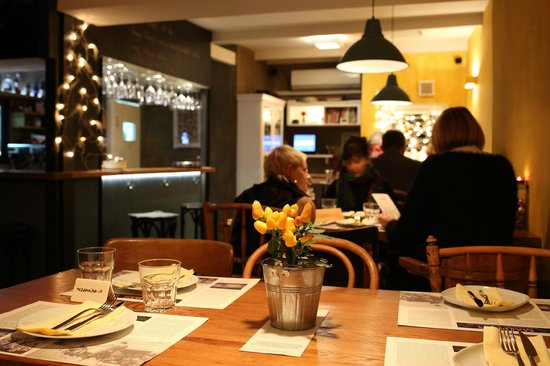 301 moved permanently for Food bar zagreb