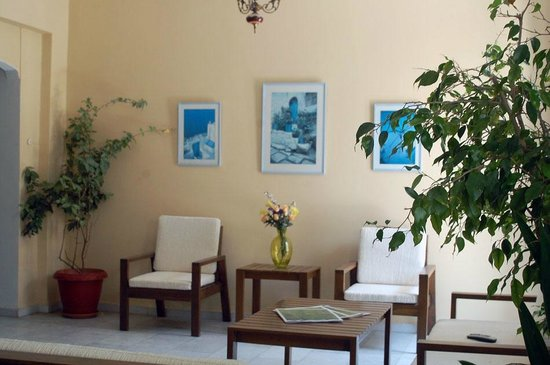 Hotel Paros: Reception lounge
