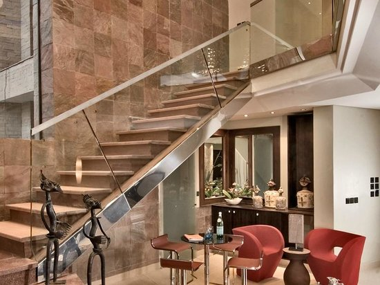 Tribe Hotel: Suite Stairs