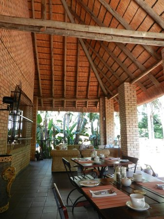 Dreamfields Guesthouse: Veranda