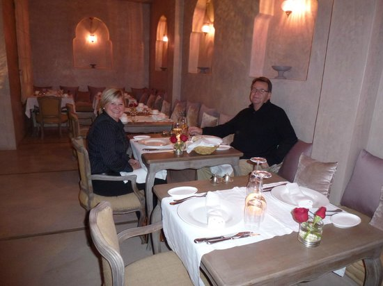 Riad Joya: The small hotel restaurant (we arrived very late)