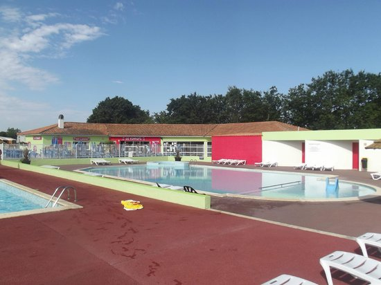 Landevieille, France: piscines