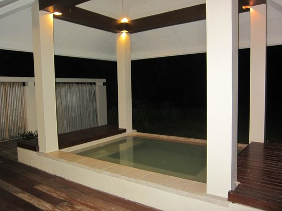 Amorita Resort: Plunge pool. In Ocean view room. A waste with a quiet stunning beach like that on your doorstep.