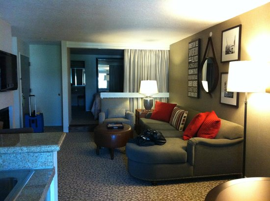 Le Parc Suite Hotel: the room - large!