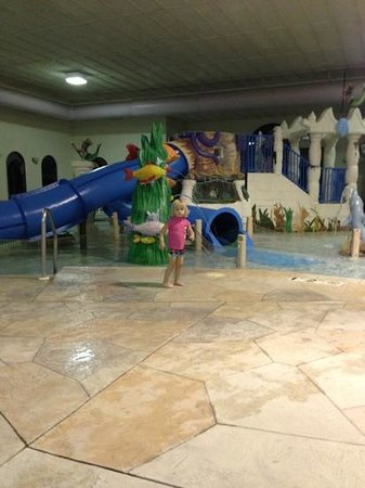Atlantis Waterpark Hotel & Suites: my daughter loves this place!