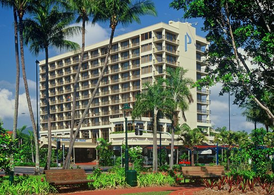 Pacific International Hotel: Hotel Exterior