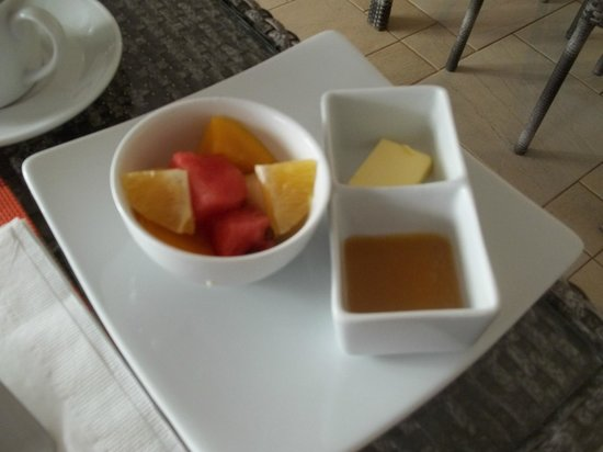 7Stones Boracay Suites: Seasoned fruits