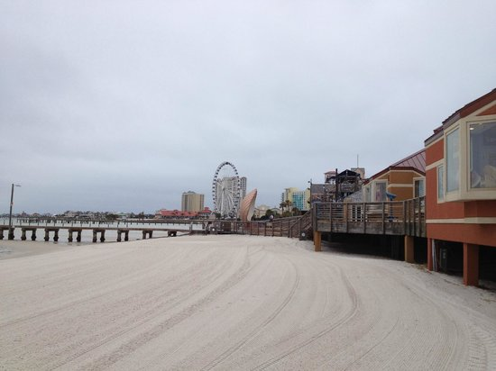Pensacola Beach: Looking down the beach toward giant ferris wheel,