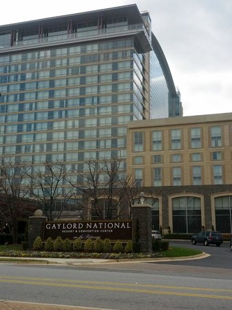 Residence Inn National Harbor Washington, DC: View of the Gaylord from the Lobby