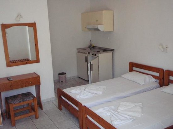 Niriis Hotel: Typical 2-bed room.