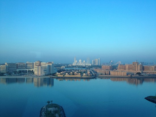 Fairmont Bab Al Bahr: View from the room. Pool area below photo.