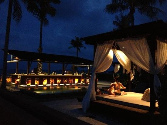 Hansar Samui Resort: hanging at the cabana