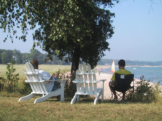 Glidden Lodge Beach Resort : A summer&#39;s day well spent