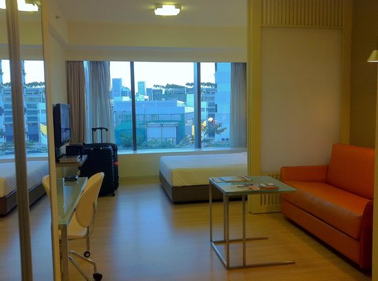 Citadines Mount Sophia Singapore: our service apartment