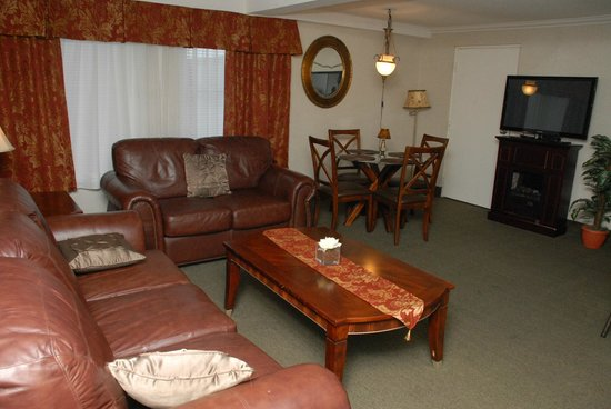 Timmins Inn & Suites: Executive Suite