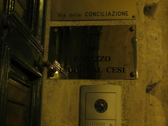 Palazzo Cardinal Cesi: when the doors are closed they will buzz you in