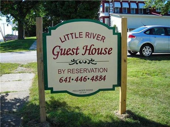 Leon, IA: Guest House - Pamper Yourself!