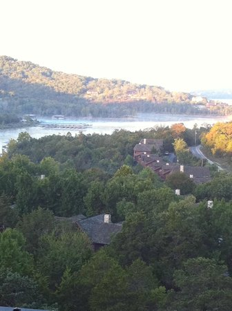 Big Cedar Lodge: Morning over Table Rock lake