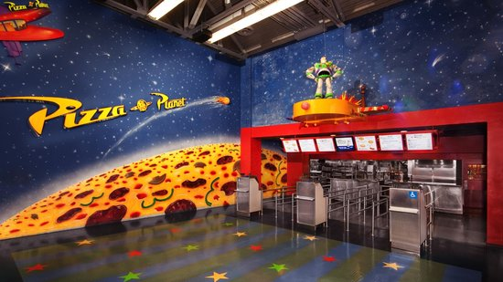 Toy story pizza planet picture of toy story pizza planet - Toy planet lanzarote ...