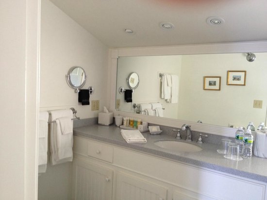 Lincolnville, ME: May Sarton bathroom