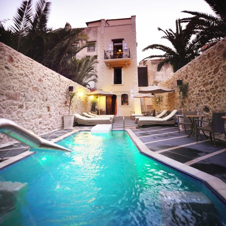 Antica dimora suites hotel reviews deals rethymnon for Hydroponic pool