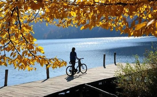 Huck Finn - Private Day Tours: Cycling in Plitvice Lakes National Park