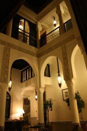 Riad Dar Saad : Salle  Manger de Nuit 1