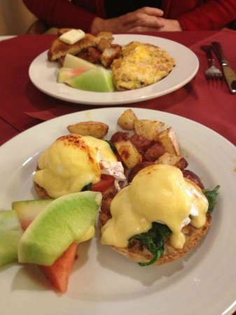Inn at Churon Winery: Breakfast