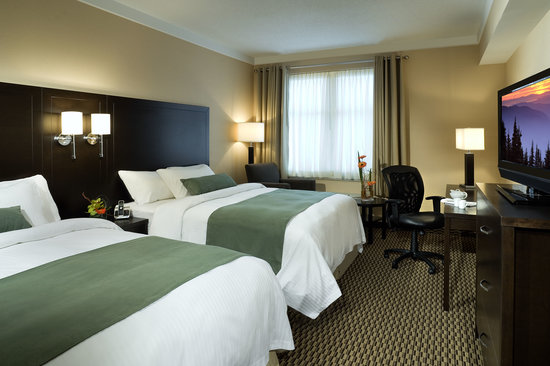 Delta Guelph Hotel & Conference Centre: Hotel Double Queen Bedded Guest Room