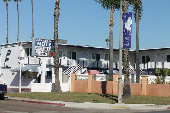 Dolphin Motel: The motel exterior