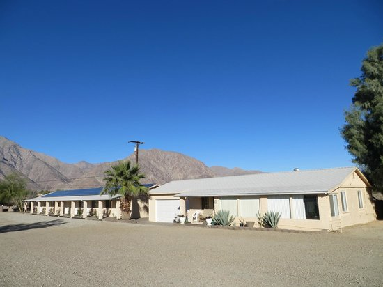 ‪Borrego Springs Motel‬