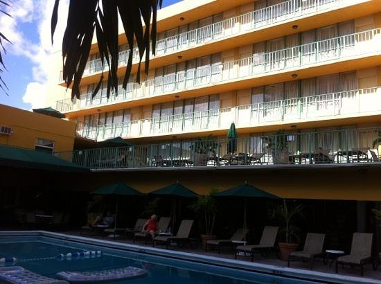 BEST WESTERN PLUS Oceanside Inn: hotel outside