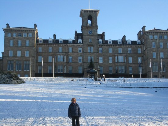 Doubletree by Hilton, Dunblane-Hydro: Hotel in the snow