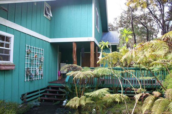 Bamboo Orchid Cottage Bed & Breakfast: Outside of the house