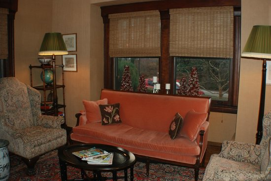 Hilltop Inn : Sitting room