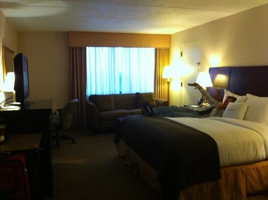 Doubletree Cleveland South: huge room
