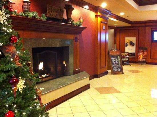 Doubletree Cleveland South: hotel entry area