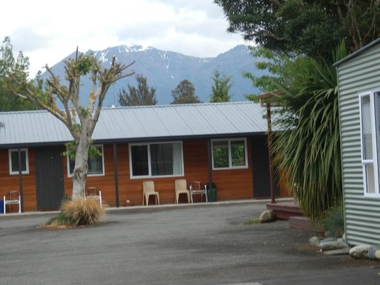 Te Anau Top 10 Holiday Park (Mountain View): one bedroom motel unit