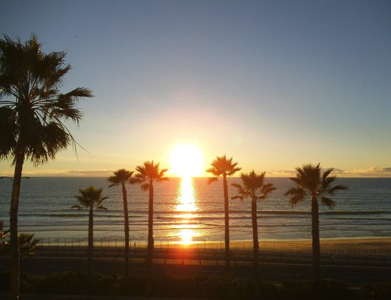 Tamarack Beach Resort Hotel: Sunset from the Viewing Deck