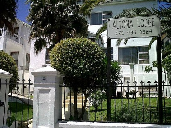 Altona Lodge: Front of House