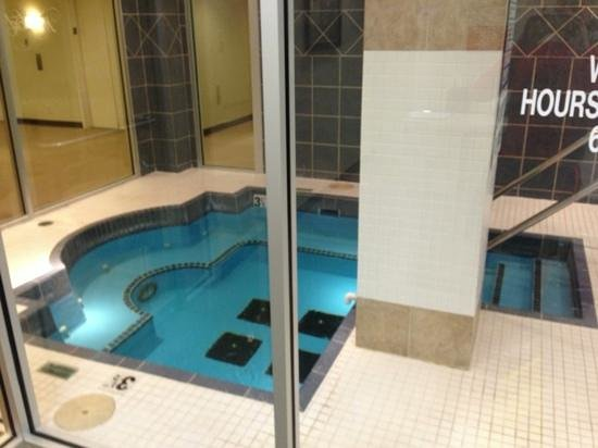 pool picture of marriott waterford oklahoma city. Black Bedroom Furniture Sets. Home Design Ideas