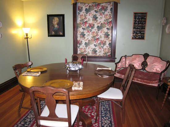Downtown Historic Bed & Breakfasts of Albuquerque: Spy House Side Room